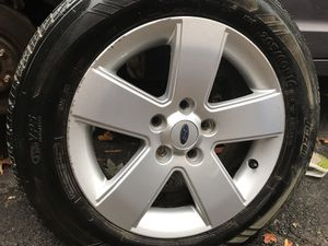 Wheels and tires 4 Ford Fusion side 205/60/16