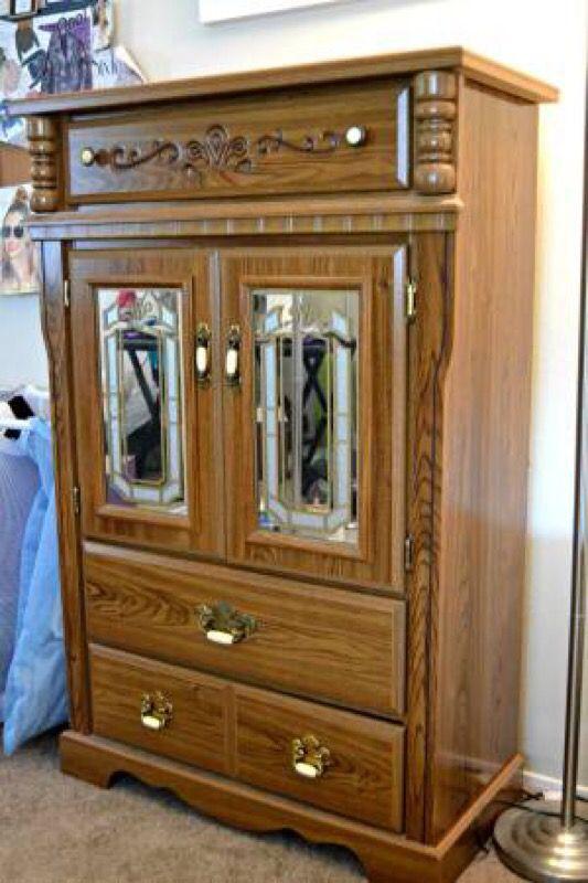 MOVING SALE  Beautiful Vintage Bedroom Set. MOVING SALE  Beautiful Vintage Bedroom Set   Furniture   in