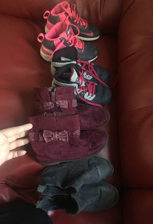 2 tennisshoes 11c and booties size12
