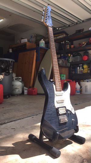 Electric Guitar - Yamaha Pacifica w/ stand
