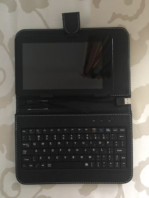 "7"" Tablet with Keyboard"