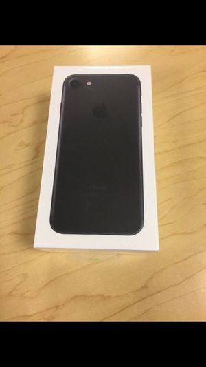 Apple iPhone 7 - Factory Unlocked - Comes w/ Box + Accessories