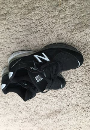 Size 10 new balance v4 good condition