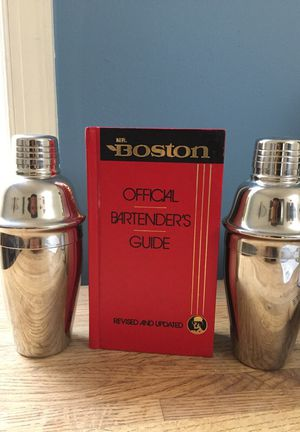 Bartender's Guide & 2 Shakers - great gift