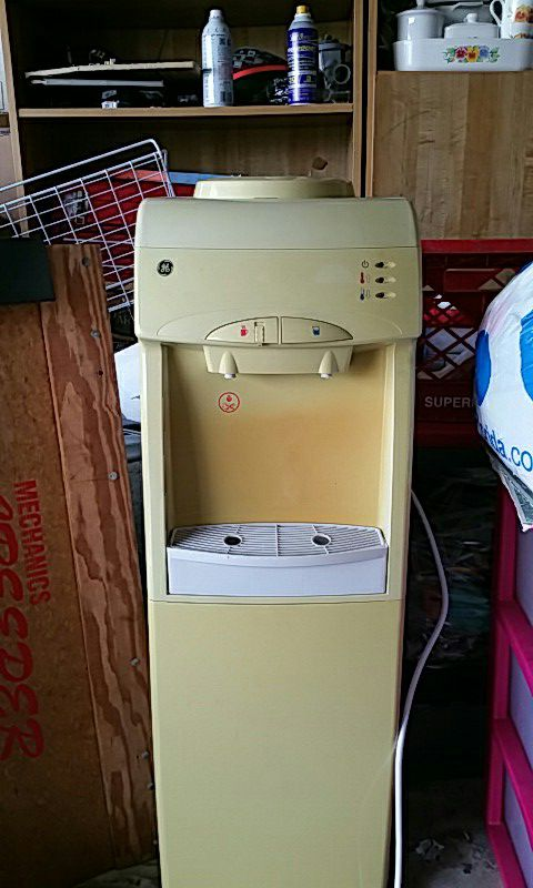 General Electric Water Dispenser Hot Cold Appliances in