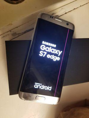 Galaxy s7 edge verizon . Just pink lane on screen