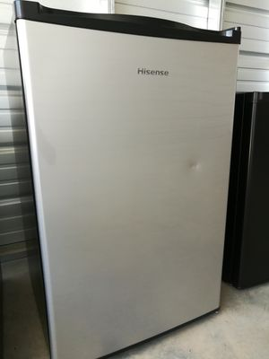 Hisense Mini Fridge 4.4 cu ft.