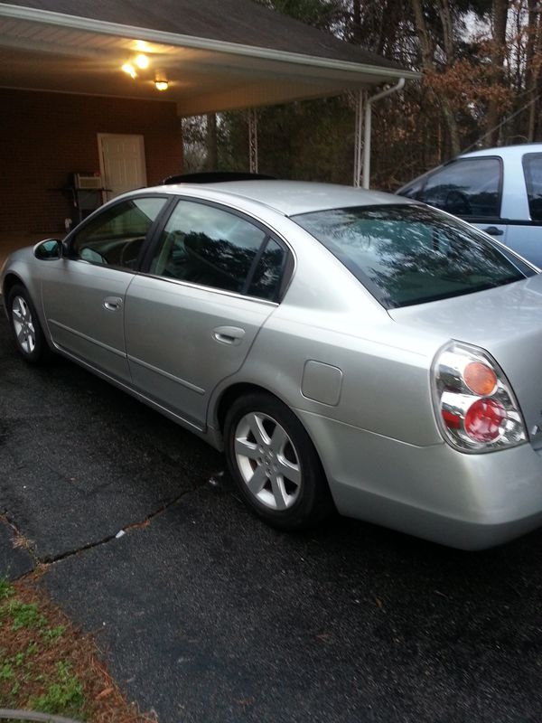 I sell my 2002 Nissan altima 2.5 4Cylinders with 179471 miles .cold ...