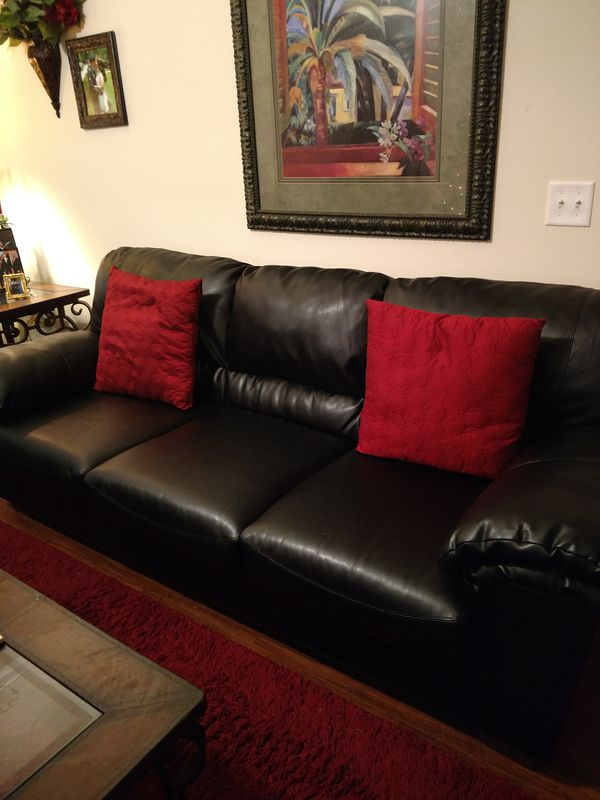 Beautiful Sofa and Loveseat!!! Moving, must Go!