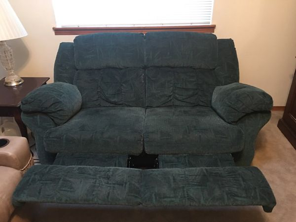 Love seat general in tulalip wa offerup - Ways of accessorizing love seats ...