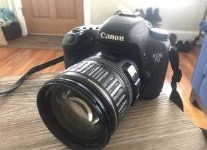 Canon 7D Digital SLR 18MP Professional Camera with Lens and more
