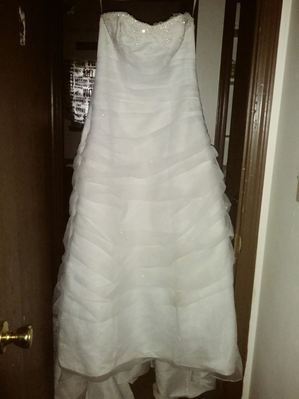 Wedding dress withveil from davids bridal (Clothing & Shoes) in ...