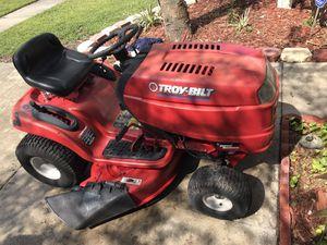 Tractor troy bilt