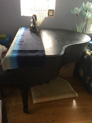 Whitney Chicago baby grand piano