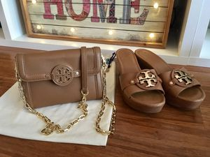 Authentic Tory burch new purse and wedges size 8.5