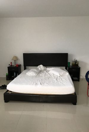 King size bed and temperpedic mattress