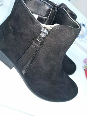 New ladies size 6 $7-Orlando 32829 See my other listings. Nuevas mujeres talla 6.