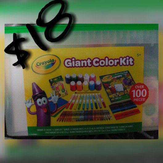 Giant Crayola Coloring Kit over 100 pieces (Arts & Crafts) in Renton ...