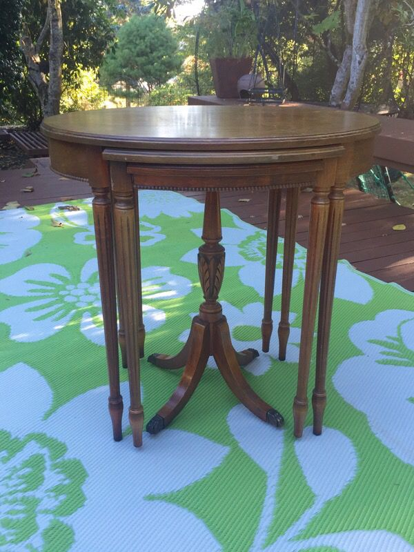 Antique mahogany side tables nesting trio three furniture for Furniture in bellevue