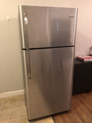 Frigidaire Electrolux Stainless Steel Fridge - Excellent condition