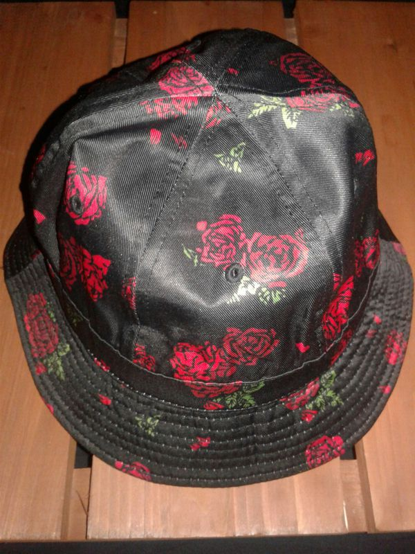 b641112bd62 BLACK SCALE Rose bucket hat (Jewelry   Accessories) in Colton