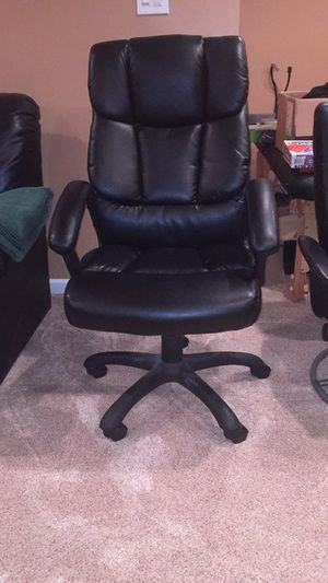 Computer chair $25