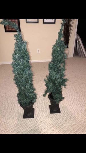 2 Artificial Trees