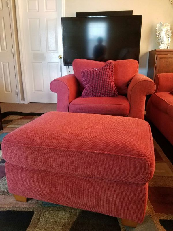 Nice sofa set furniture in everett wa offerup for Furniture in everett