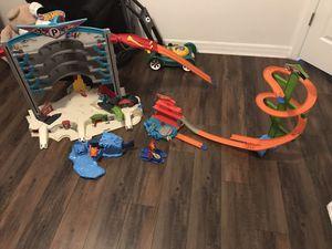 Hot wheels toy car race track garage