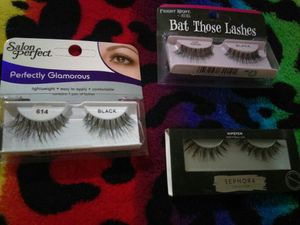 3 pairs of eyelashes