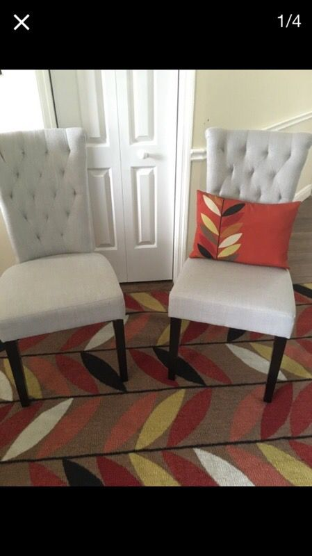 2 Chairs 2 Pillows And Rug Furniture In Sanford Fl Offerup