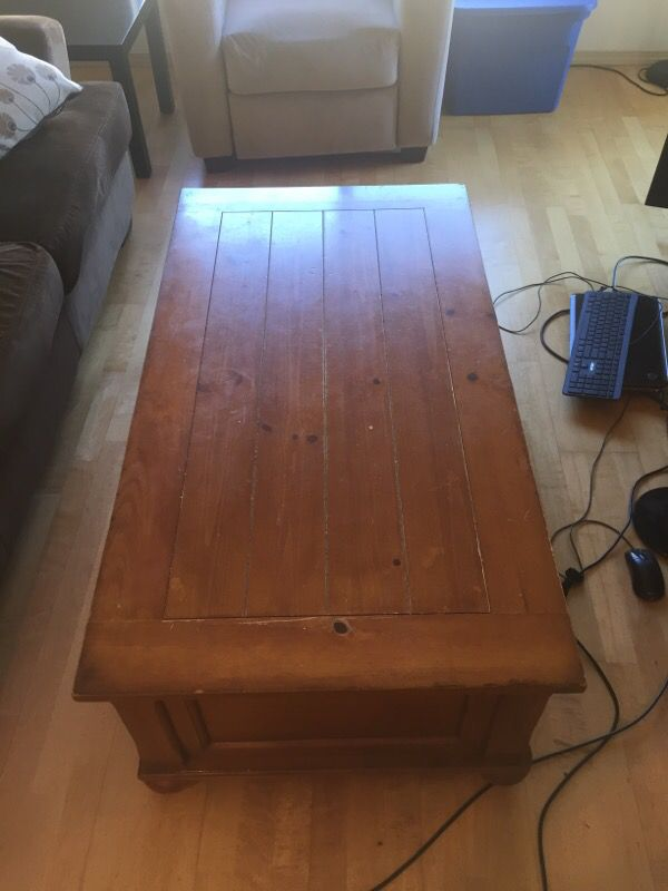 Coffee table furniture in edmonds wa offerup for Furniture edmonds wa