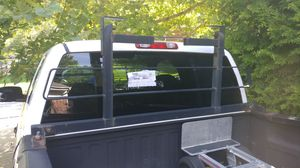 Truck ladder rack emergency light mount