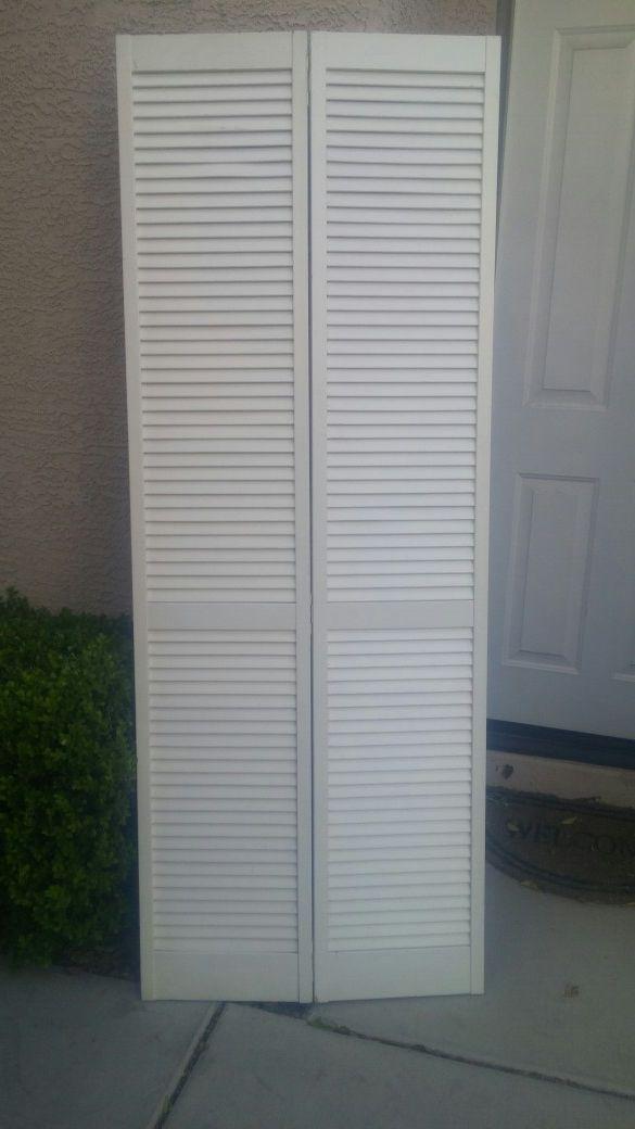Bi Fold Louvered Closet Door 30 X 80 Home Garden In Las Vegas Nv
