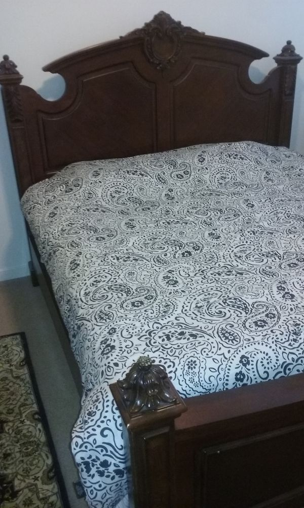 King Size Bed with 1 Night Stand (Mattress and Box not included )