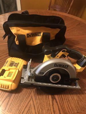 """Dewalt combo 20vmax circular Saw 6 1/2"""" con cargador fastcharger ybolso no baterías todo Completamente Nuevo $135 fijos no ofertas"""