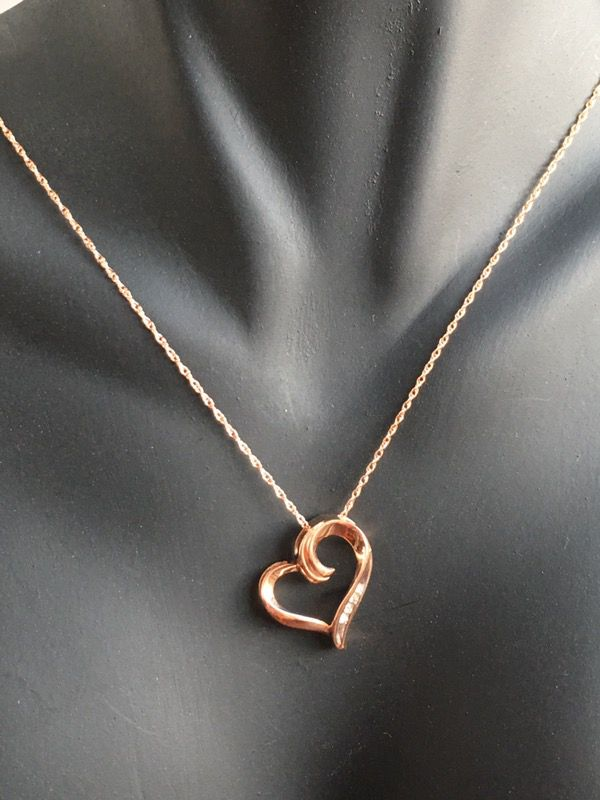 10k rose gold diamond necklace