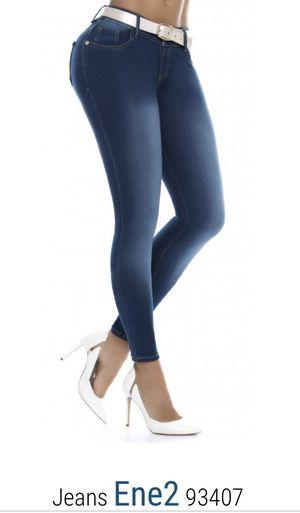Tenemos a la venta jeans colombianos 100% originales, distribuimos 5 marcas exclusivas, ofrecemos al por mayor y al detalle.