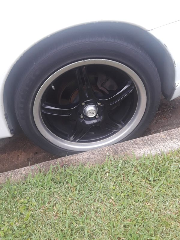 I am selling my 17 inch rim 4 lugs (Auto Parts) in Lewisville, TX