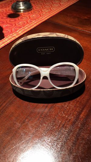 Women's sunglasses,COACH ,like new with original case