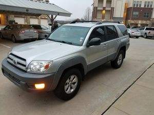 Toyota 4runner 2003 ( clean title )