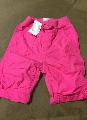 Brand new with tags size 6-9 months Childrens place capris