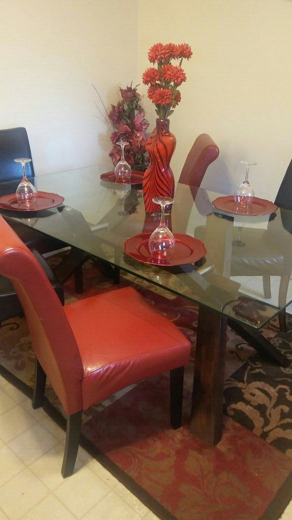 Dining Room Table With 6 Chairs Rug Is Included But Not Decor