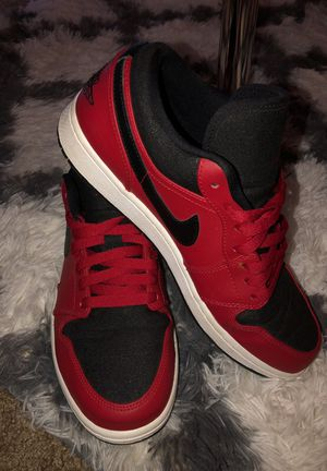 AIR JORDAN RED SNICKERS SIZE 9 men's shoes
