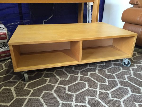 Rolling pine coffee table furniture in seattle wa for Furniture guy seattle