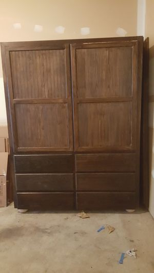 Hutch/TV Cabinet/Clothes