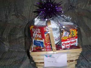 MOvie basket and food