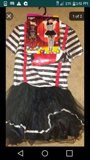 Halloween costumer