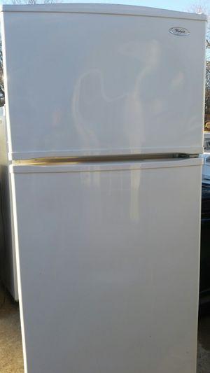 Refrigerator w ice maker
