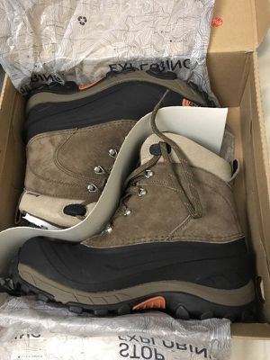 REDUCED!!!BRAND NEW THE NORTH FACE CHILKAT II BOOTS